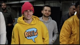 'I HOPE LOGAN PAUL WINS TONIGHT!' - JUSTIN BIEBER ARRIVES AT STAPLES CENTER FOR KSI v LOGAN PAUL II