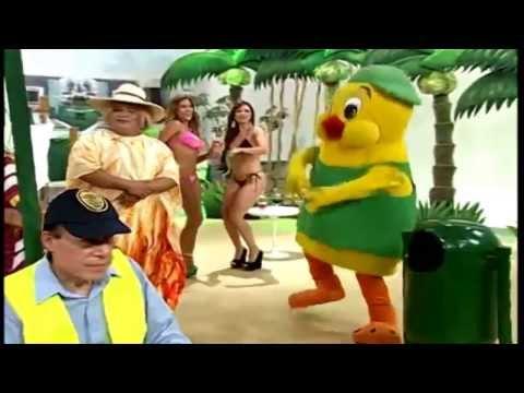 Pio's Chicken - El Especial Del Humor (pollo Trapeador) video