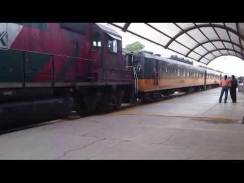 Tren Chepe llegando a la estacion Chihuahua