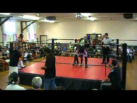 UIPW LA 072014 Extreme Tiger/Misterioso VS Little Cholo/Infernal