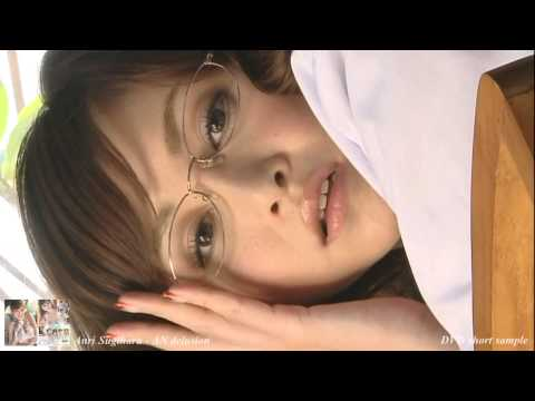 【杉原杏璃グラビア動画】杉原杏璃-眼鏡の女医が飴舐めたりしながらいやらしく迫ってくる画像