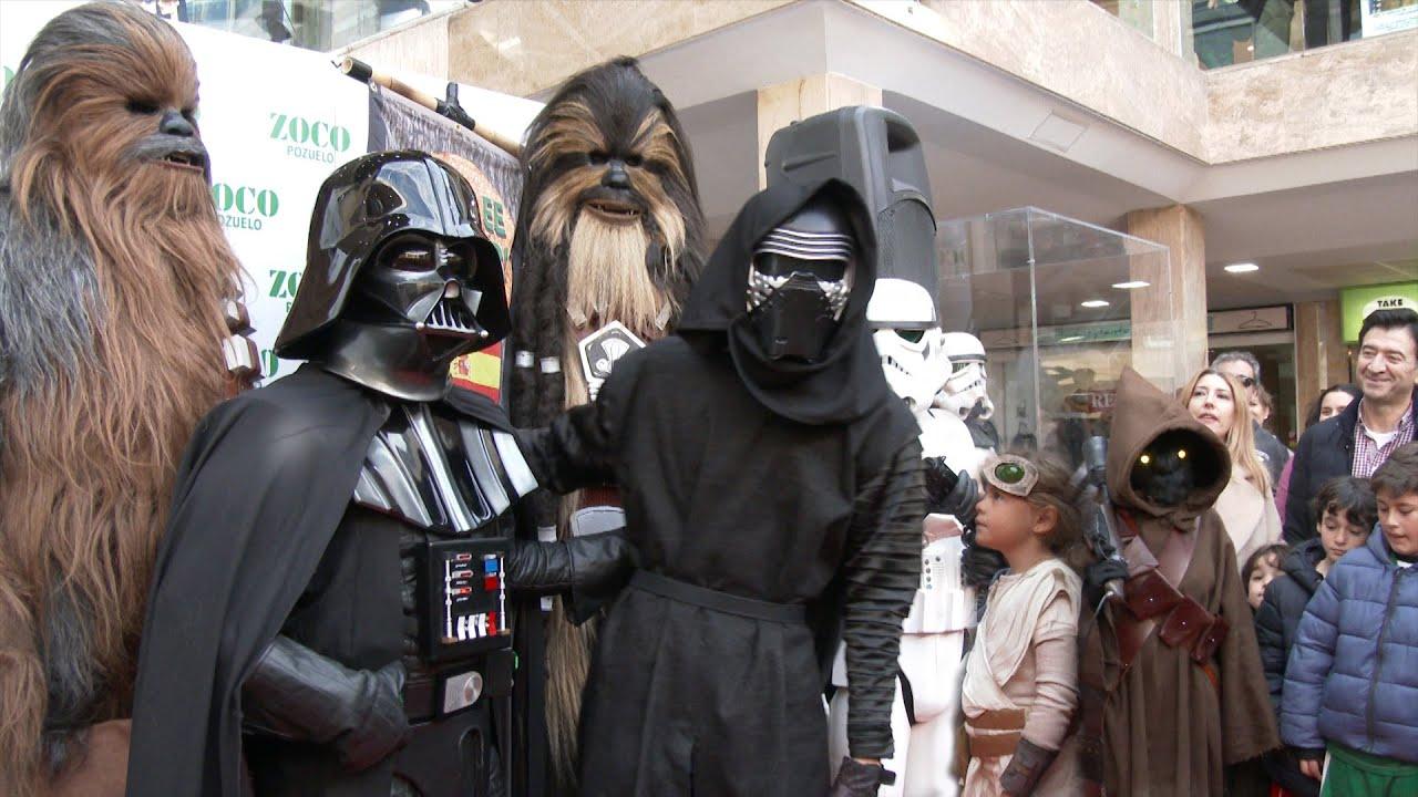 Cientos de fans de Star Wars toman el Zoco de Pozuelo a la l...