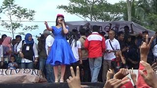 KEREN ! Via Vallen Hujan-Hujanan LIVE Stadion Kolopaking Kampanye Akbar CABUP Banjarnegara