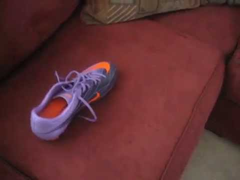 Two Pairs of Superfly 2 and Jabulani Ball Unboxing Video