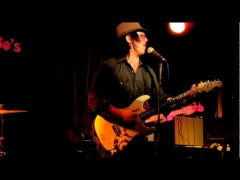 Mike Farris with The Bart Walker Band@Uncle Bo's This lil light of mine