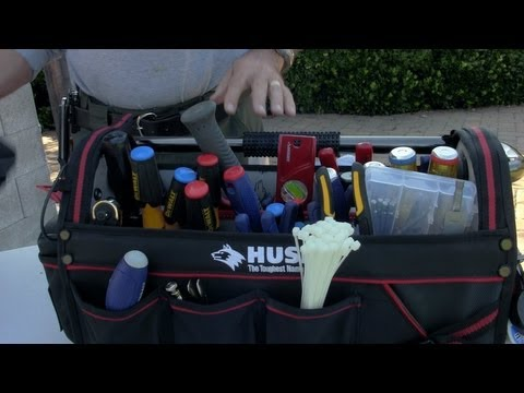 Making an emergency kit for your car