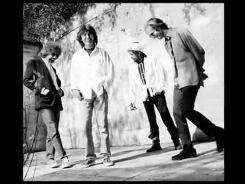 The Traveling Wilburys - Tweeter & The Monkeyman