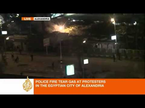 Alexandria, Egypt - Protestors Target Police Security Headquarters