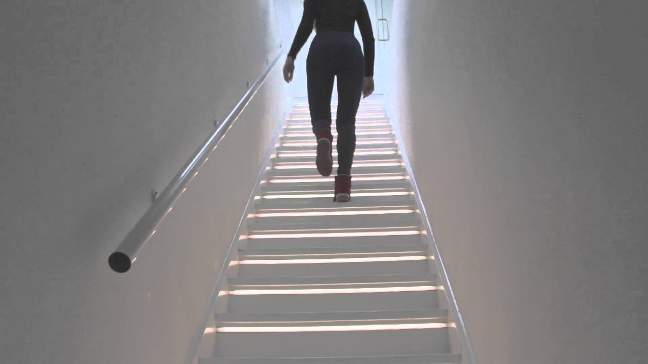 led lights up stairs images