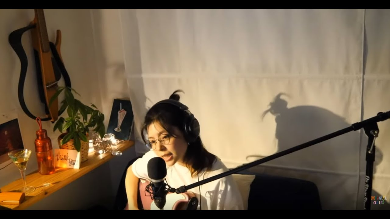 大比良瑞希 - 2020.05.23 YouTube Liveにて生配信されたギター弾き語り&トークのアーカイブ映像を公開中 (Eternal My Room Session vol.8) thm Music info Clip