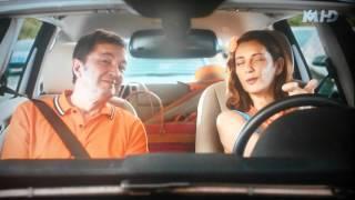 Liliane & José en voiture. Scène de ménage.