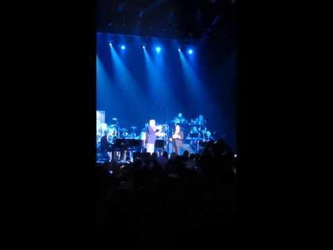 Paul Anka & Warren Buffett-My way @ 2015 concert Fantasy springs