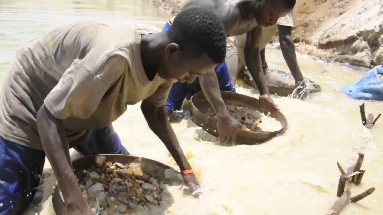 Diamond Mining in Sierra Leone - YouTube