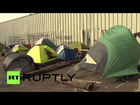 France: Far-right protest hits Calais refugee camp