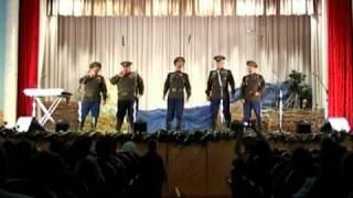 Танцуют и поют терские казаки – Смотреть видео