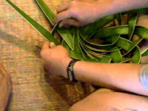 การสานตะกร้าจากทางมะพร้าว