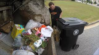 Garbage Man Gopro - EZ Pack Apollo Hopper Shots