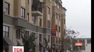 У США на студентів впав балкон, є жертви - (видео)