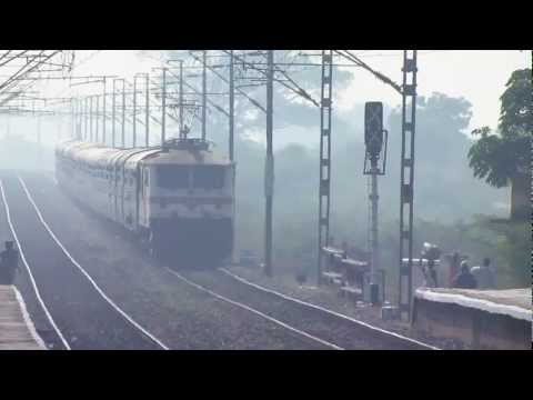 Wap-7 Led Mighty Ap Express Blasts At 110 Kmph Flat !! video