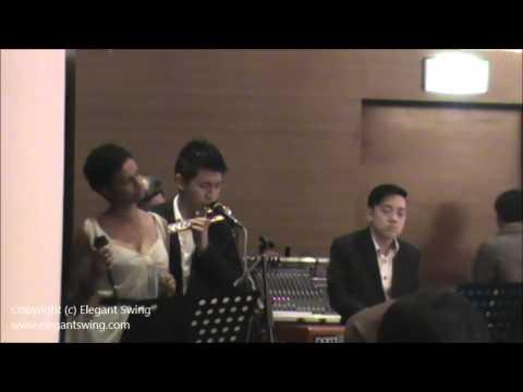 Live music singapore elegant swing village hotel for Swingvillage