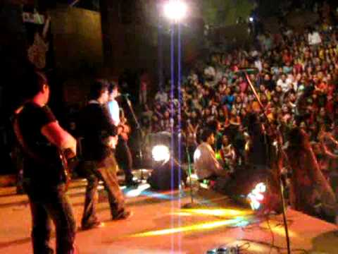 jal the band performing live woh lamhay at kinnaird college...