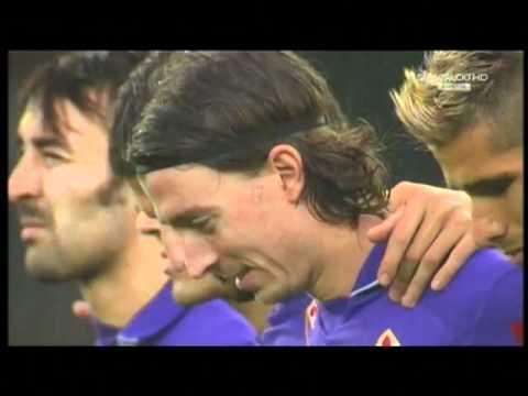 Riccardo Montolivo laughs in a moment of silance. (Rade la momentul de reculegere)