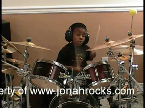 Blink 182 - Feeling This, Drum Solo Cover, 4 Year Old Drummer