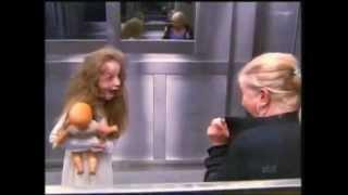 Menina fantasma no elevador