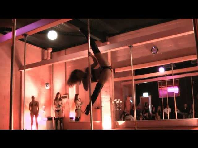 """ANIA SOLO,""""ET"""" KATY PERRY POLE DANCING"""