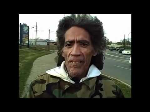 Video: The homeless man with the Golden Radio Voice - Worldnews.com