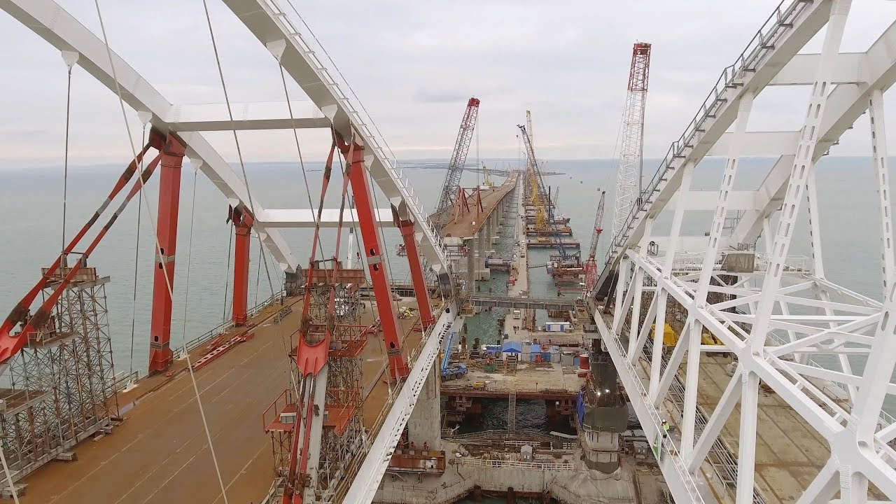 Эксперт мост в Крым – в конечной стадии строительства