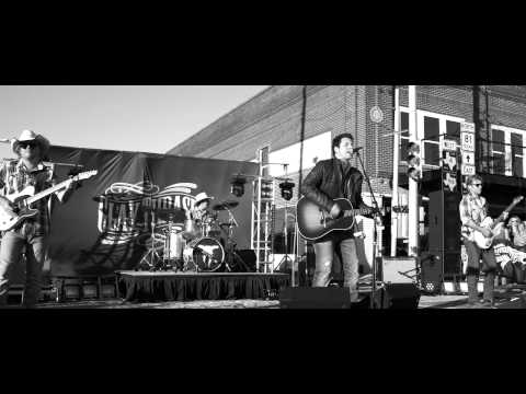 Official Music Video of My Heart by Clay Thrash. Buy Clay Thrash's album on iTunes here: https://itunes.apple.com/us/album/clay-thrash/id573704399 This video was directed by Jon Todd Collins...