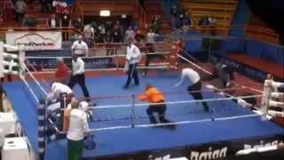Boxer attacking referee   vido lancar vs.algirdas baniulis  Боксер нападения судья