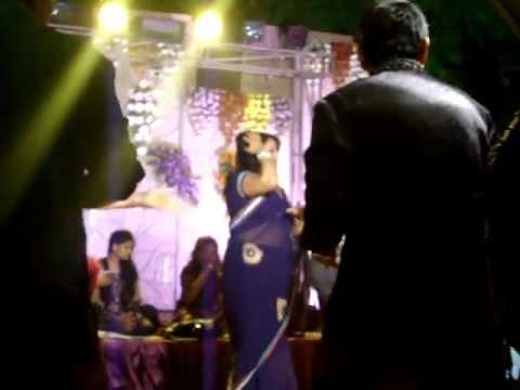 Ladies sangeet- Suhag geet by Rajeev saxena musical groupKanpur...