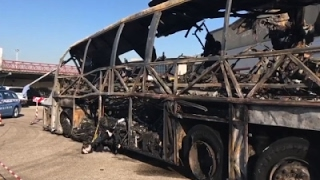 Raw: 16 Dead in ItalyBus Crash