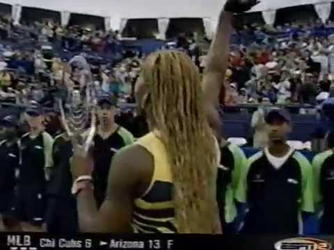 2001 Rogers Cup - Serena Williams with trophy
