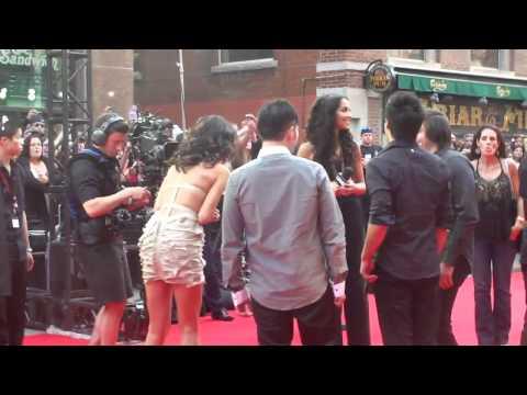 Selena Gomez   2011 MMVA's Red Carpet thumbnail