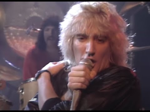 Rod Stewart - Da Ya Think I&#039;m Sexy? (Official Video)
