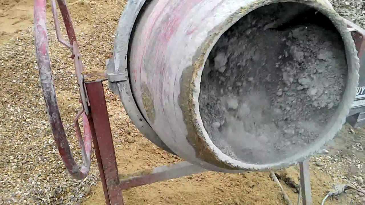 Comment pr parer du b ton youtube - Comment colorer du beton ...