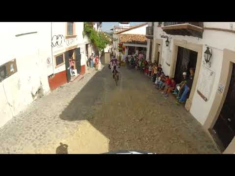 Downhill Taxco 2013 Art Babcock following Neko Mullaly