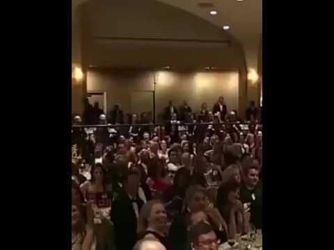 أوباما يرقص على إيقاع الشعبي المغربي thumbnail