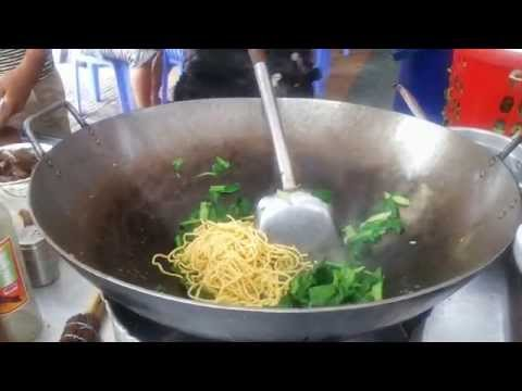 Asian Street Food - Fried Rice and Noodles With Beef | Travel, Visit, Tour Cambodia Amazing Places