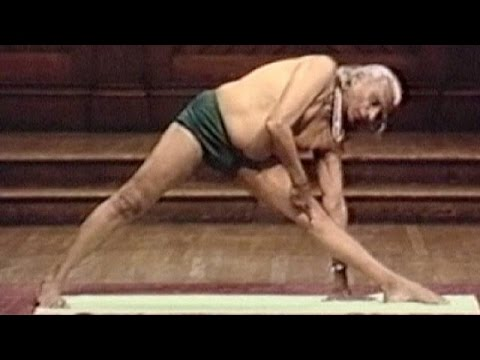 """Father of yoga"" BKS Iyengar dies at 95"