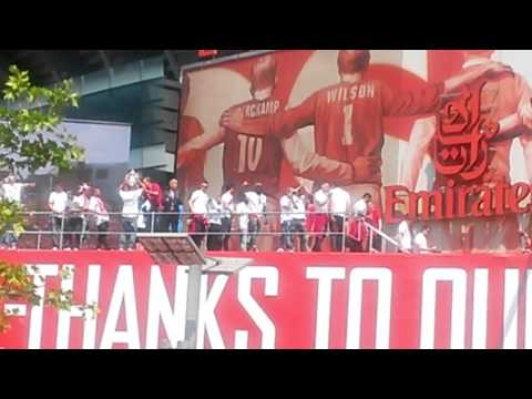 Arsenal Chant, Bacary Sagna we want you stay