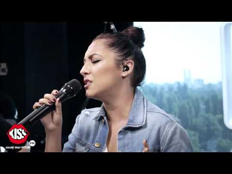 Andra - Acele (cover Carla's Dreams) Live @ Kiss FM