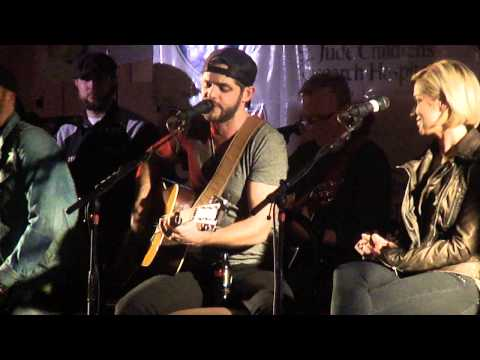 Thomas Rhett- Round Here (acoustic) (fgl Cover) video