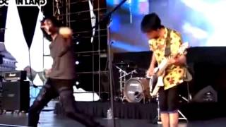 Gigi Terbang Live At Java Rockingland 2013
