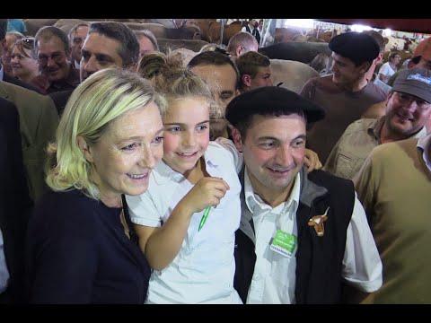 Marine Le Pen au Sommet de l'élevage de Cournon