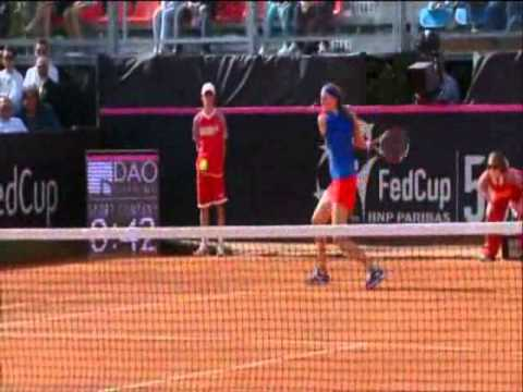 Official Fed Cup Highlights: Roberta Vinci (ITA) v Petra Kvitova (CZE)