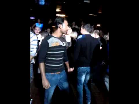 bangla boy fatafati dance(in disco)
